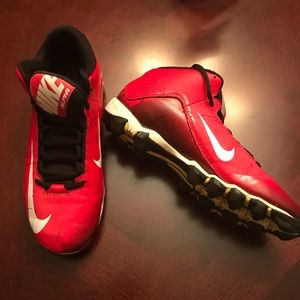 Nike men's' alpha cleat in red size 7.5